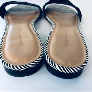 Banana Republic Shoes - Banana Republic NWOT Black and White Sandals